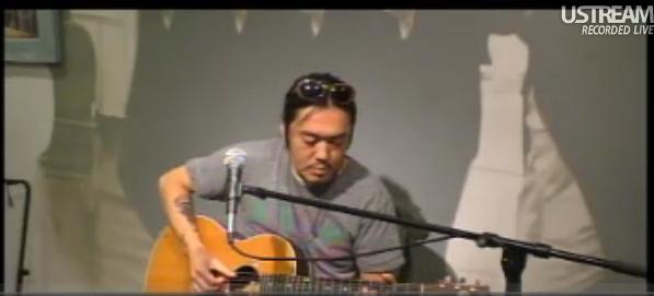 カモク・タカハシさんの演奏 - 鵠沼海岸アンプラグド Live at KABUTOS CAFE